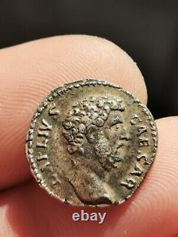 Très joli et assez rare denier d'Aelius (revers TR POT COS II)! 3,16 g